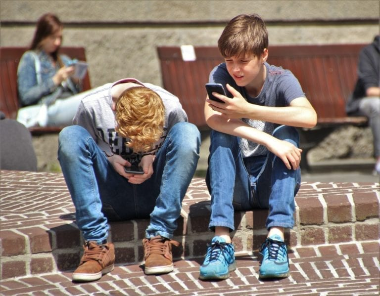 Smartphone Apps that are harmful for your kids